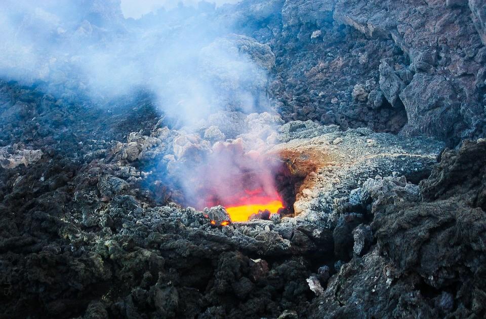 Etna Luxury Tour in fuoristrada con visita del cratere centrale