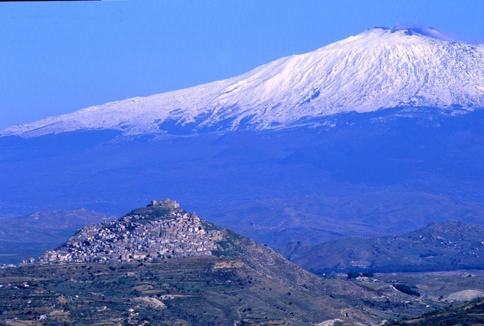 Tra storia e natura – Il vulcano Etna e Taormina